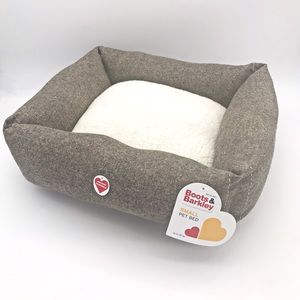 NWT! Boots & Barkley Small Pet Bed
